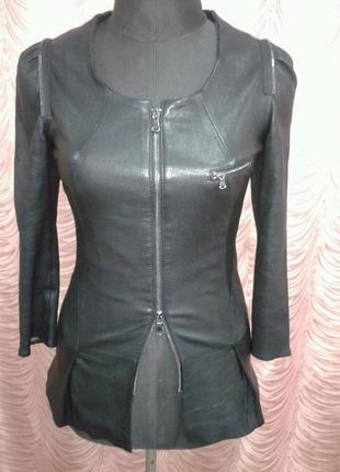 Шикарная кожаная куртка из стрейч-кожи, кожа ягненка, франция.