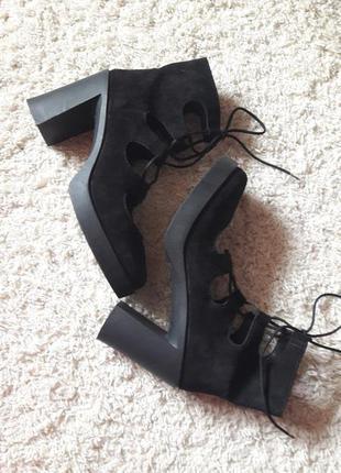 Туфли ботинки ботильоны на шнуровке из натурального замша