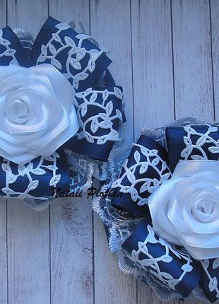 Бантики синие с розами