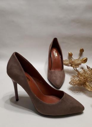 Акція! туфлі лодочки (туфли-лодочки) світло-коричневого кольору розмір 36, 38, 39, 40.
