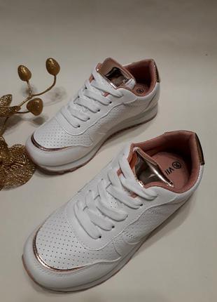 Акція! кросівки (кроссовки) жіночі білого кольору розмір 36, 37, 38, 39, 40.