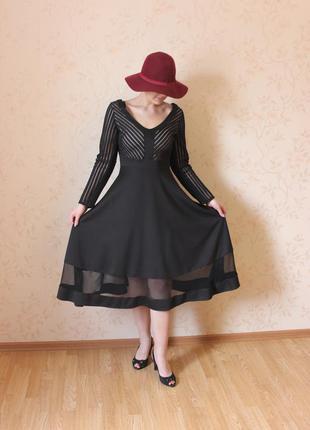Черное платье в ретро-стиле