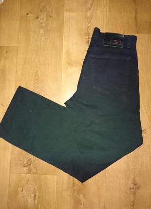 Фирменые черные джинсы