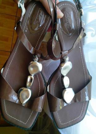 Рр 5-24 см стильные босоножки от clarks кожа лак