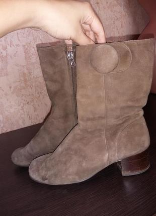 Продам кожаные,замшевые, теплые полусапожки.bally france.франция. 37 размер.