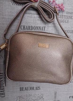 Модная золотистая сумочка, отличного качества!