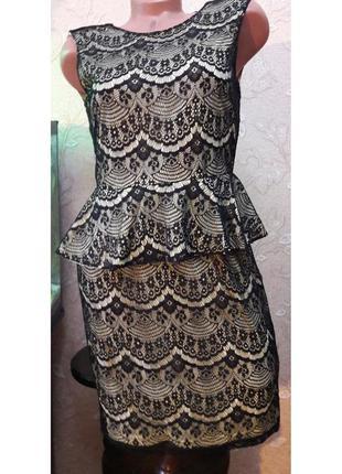 Фирменное шикарное нарядное платье кружевное для модниц traffic people m