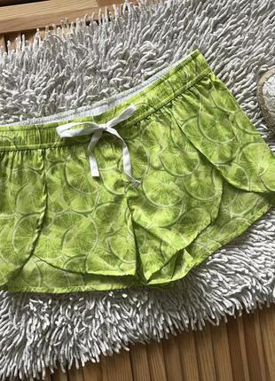 Яркие летние шорты в лайм victoria's secret