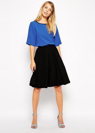 Новая фактурная черная юбка jennyfer