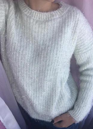 Объемный тёплый свитер с люрексом