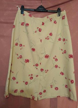 Стильная бежевая  юбка в цветочный принт р.22