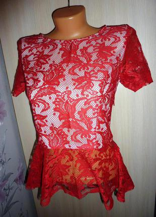 Красивая блуза с баской trg, размер с-хс, цвет красный+белый, кружево.