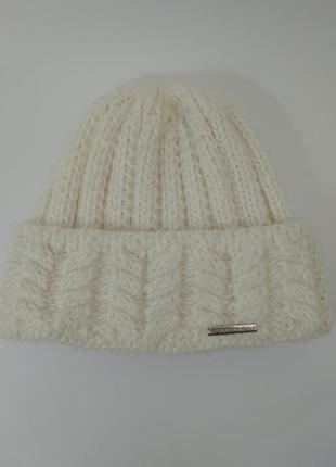 Объёмная вязанная шапка / крупная вязка
