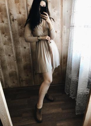 Платье с вырезом на запах boohoo