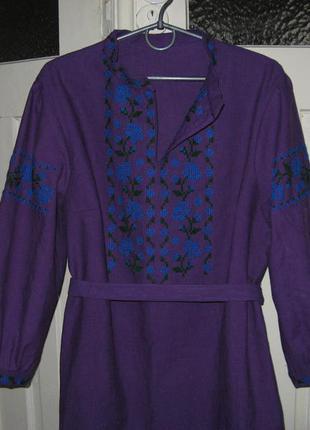 Платье-вышиванка ручной работы из льна