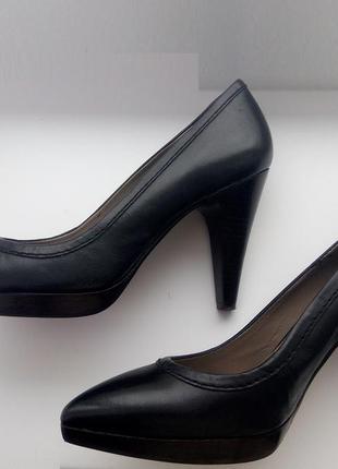 Туфли кожаные zara красивые на каблуке 10 см черные р.39
