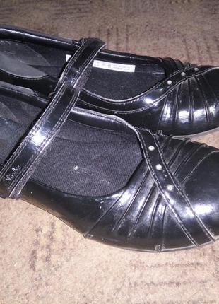Отличные туфли балетки в школу clarks 22 см