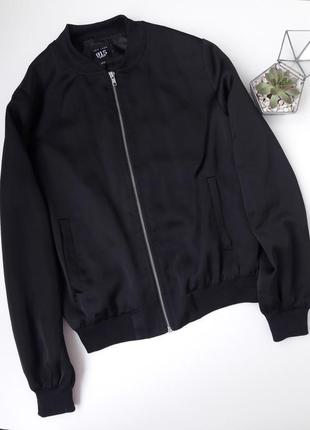 Атласный чорный бомбер куртка