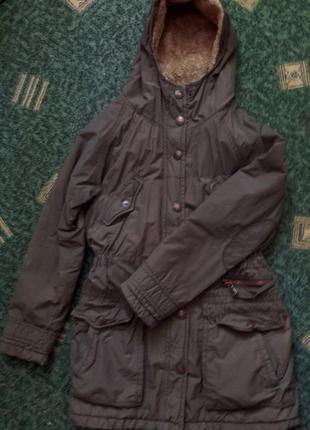 Демисезонная куртка-парка с утепленным капюшоном