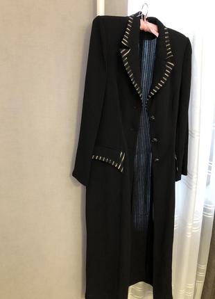 Длинный пиджак пальто