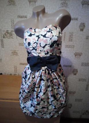 Нарядное платье бюстье с открытыми плечами