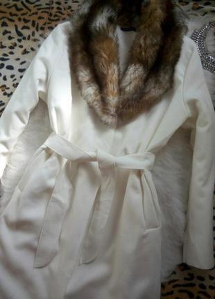 Белое натуральное пальто на запах с пояском и карманами шерсть длинное в пол мех воротник