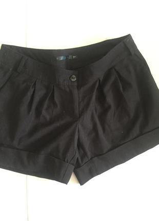 Черные классические шорты
