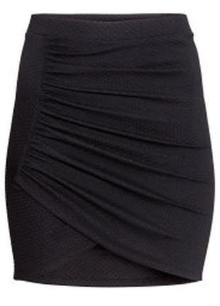 42 44 красивенная фактурная юбка-карандаш с драпировкой от h&m