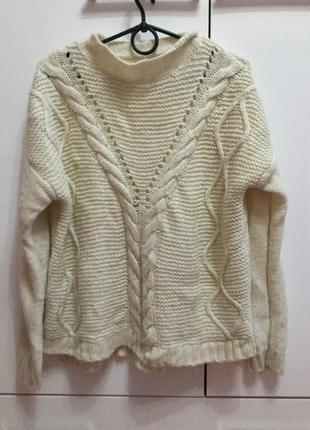 Тёплый молочный свитерок  вязаный оверсайз