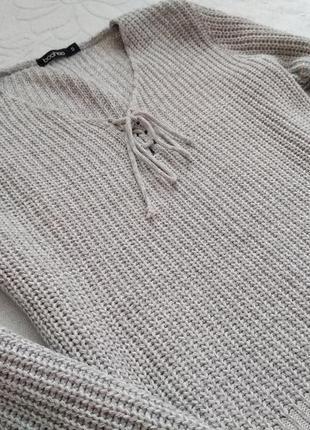 Красивый укороченный свитерок.
