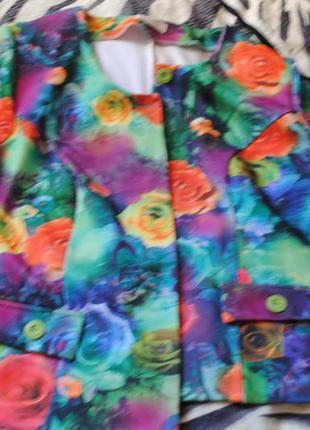 Укороченый пиджак в цветочный принт польша