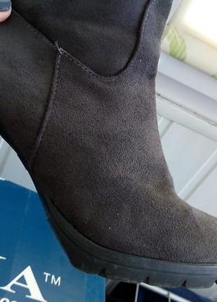 Демисезонные ботинки сапоги ботильоны на каблуке замшевые