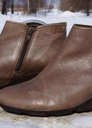 Шкіряні черевички, ботінки clarks