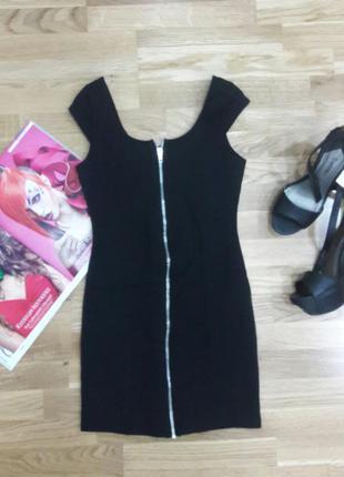 Милое черное платье divided