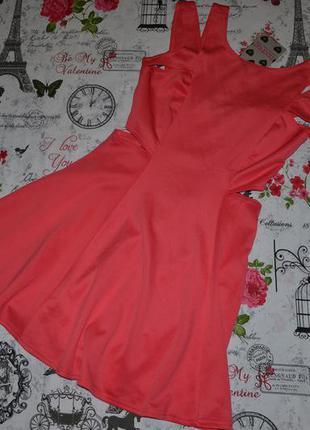 Актуальное платье boohoo 10-12 размер