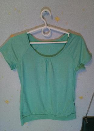 Зелёная футболка h&m