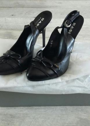 Кожаные классические  туфли на высоком каблуке basic edition
