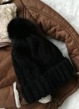 Теплая шапочка с помпоном 135549 h&m универсальный размер  шапка черная вязаная