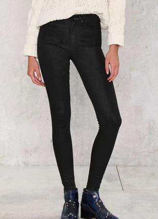 Чёрные штаны skinny с пропиткой под кожу