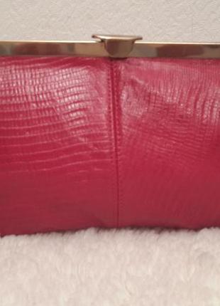 Кожаный клатч красного цвета италия