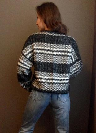 Укорочённый свитер oversize