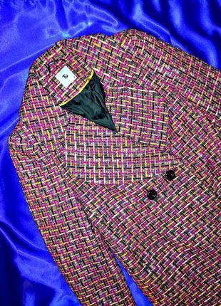 Красивое твидовое пальто