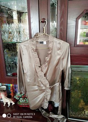 Блуза цвета шампанкого