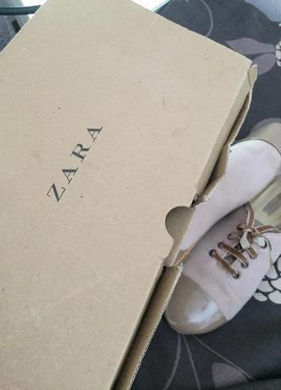 Класные туфли zara цвет пудра на низком ходу