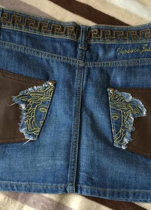 Короткая джинсовая юбка versace (m)