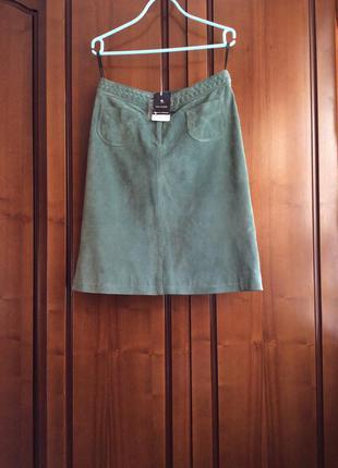 Замшевая зелёная юбка