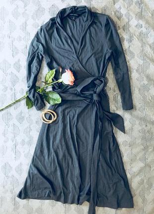 Стильное трикотажное платье banana republic