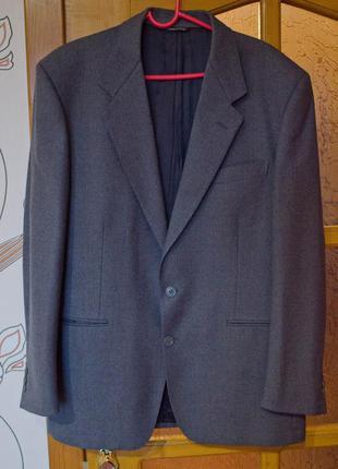 Сірий піджак
