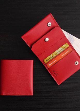 Компактный кошелёк из натуральной кожи ручной работы.