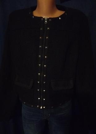 Твидовое короткое пальто пиджак укороченное заклепки
